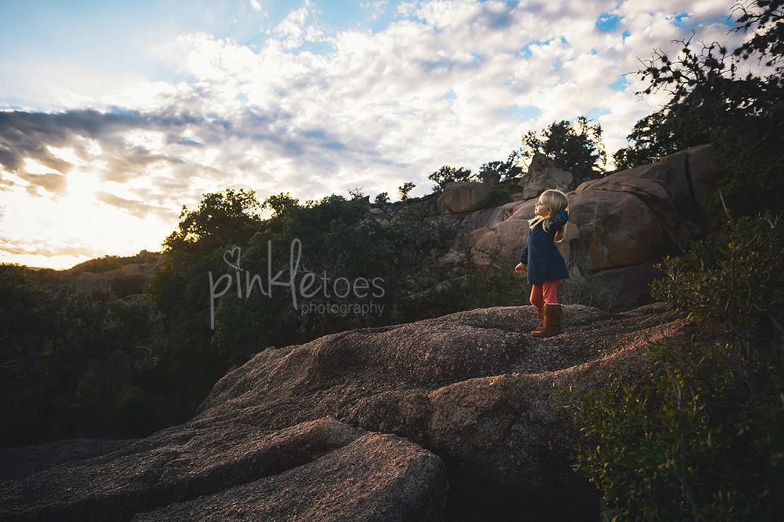 austin-desert-enchanted-rock-family-lifestyle-photography-19