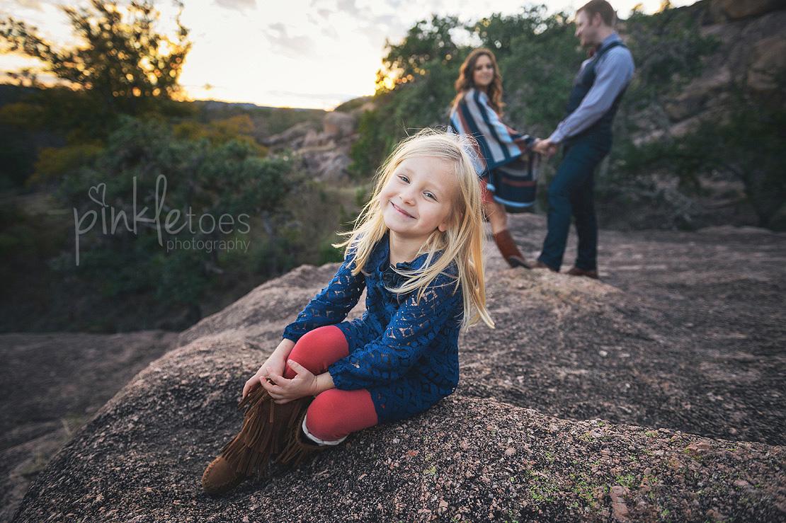austin-desert-enchanted-rock-family-lifestyle-photography-29