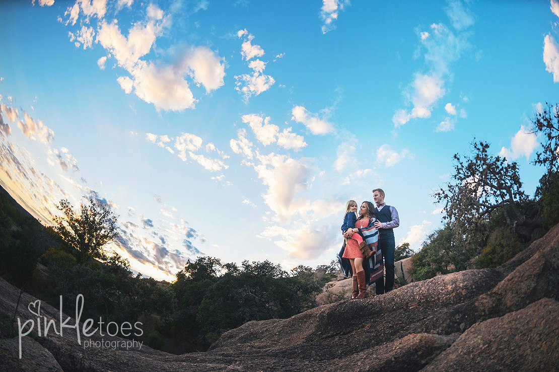 austin-desert-enchanted-rock-family-lifestyle-photography-30