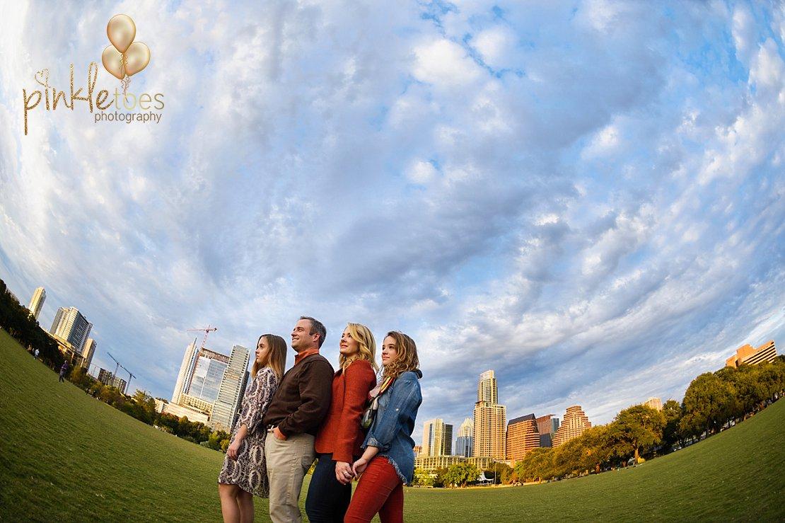 downtown-austin-skyline-family-photographs-013